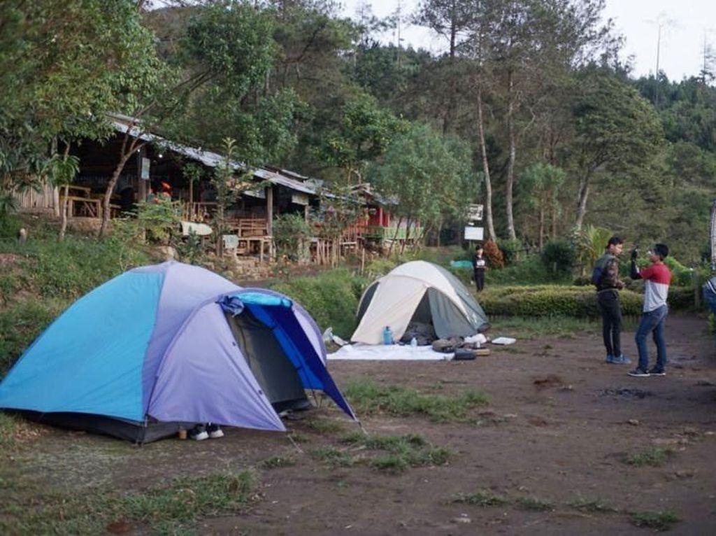 Kemping Asyik di Basecamp Gunung Ungaran, Sudah Pernah Belum?