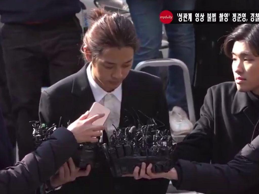 Rekam dan Sebarkan Video Seks Ilegal, JJY Hanya Didenda 1 Juta Won