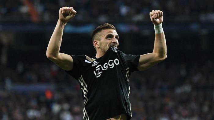 Winger Ajax Amsterdam Dusan Tadic menjadi yang tersubur di Liga Champions sejauh ini dengan torehan 9 gol. (Foto: David Ramos/Getty Images)
