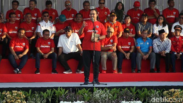 Gubernur DKI Jakarta Anies Baswedan saat meresmikan pembangunan stadion di lahan Taman BMW, Kamis (14/3/2019). (Foto: Pradita Utama/detikcom)