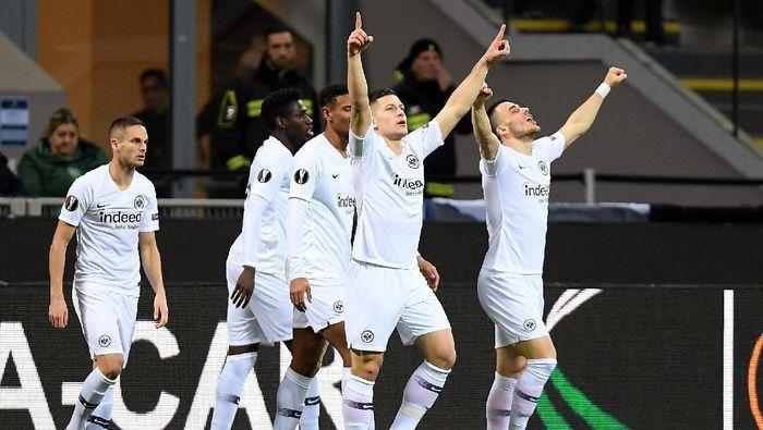 Eintracht Frankfurt lolos ke perempatfinal Liga Europa (REUTERS/Daniele Mascolo)