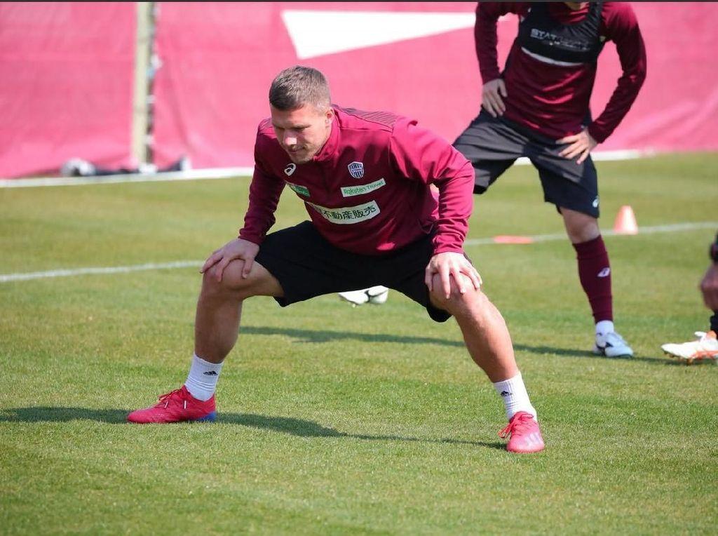 Lukas Podolski Main Sumo?