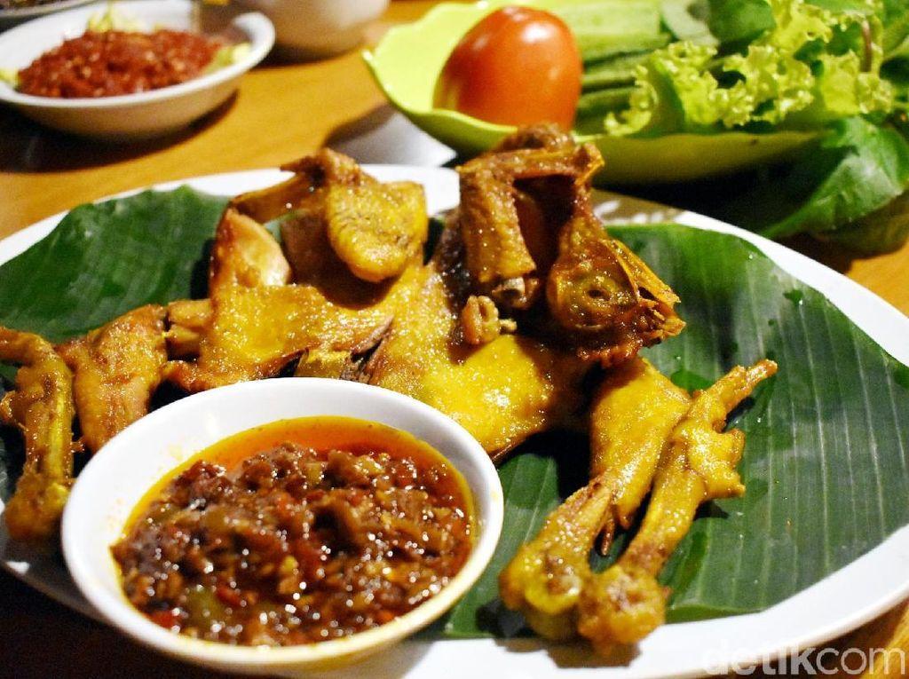 Ayam Goreng Basah Khas Sunda dan Sate Maranggi yang Gurih Nikmat