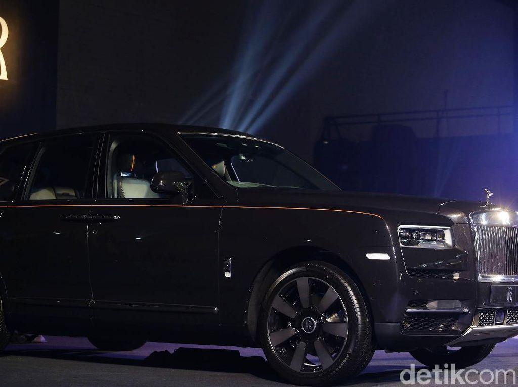 SUV Bikin Rolls-Royce Cetak Rekor dalam 116 Tahun