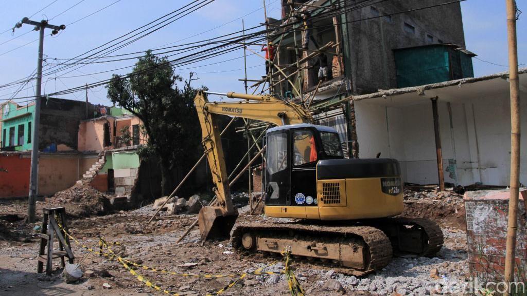 Bangunan di Cileunyi Dibongkar untuk Tol Cisumdawu