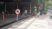 Lokasi penangkapan Romi di pintu keluar Hotel Bumi