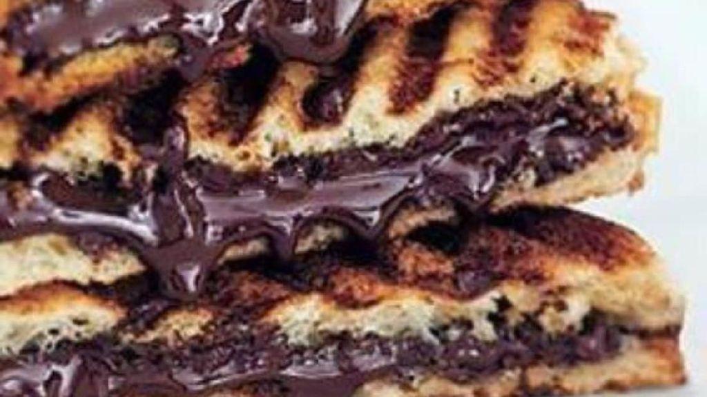 Sarapan Roti Panggang? Ini 10 Ide Roti Panggang Cokelat yang Lezat