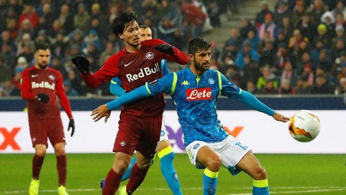 Meski kalah 1-3 dari Salzburg, Napoli tetap lolos ke perempatfinal Liga Europa (REUTERS/Leonhard Foeger)
