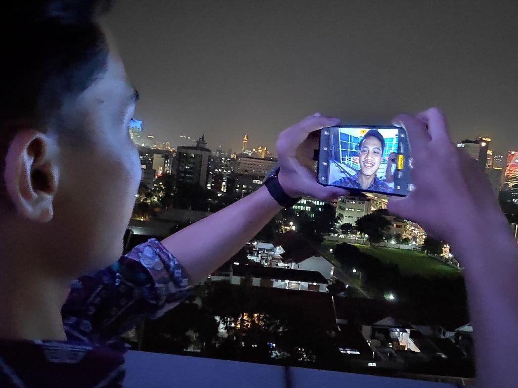 Foto Malam Fantastis Ini Dihasilkan Kamera Smartphone Lho!