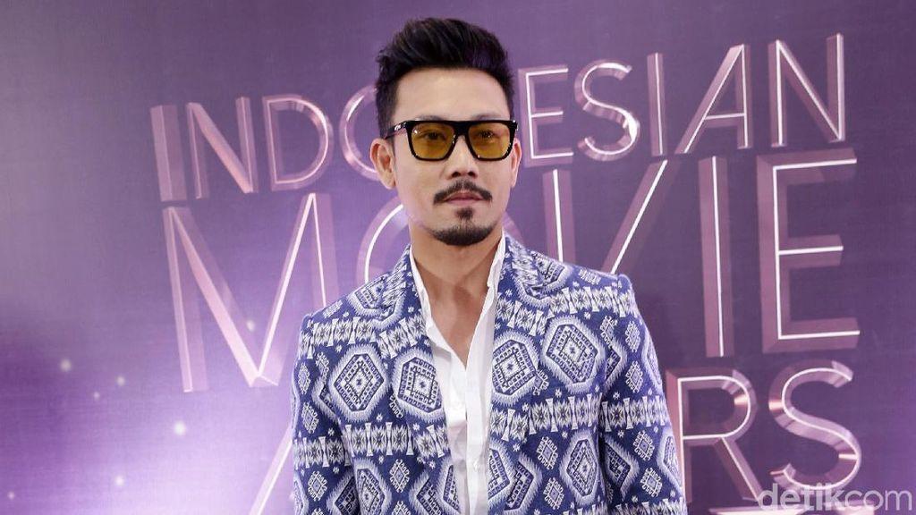 Denny Sumargo: Dulu Tukang Cuci Piring Kini Aktor Top