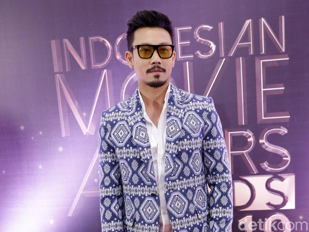 Dari Agnez Mo sampai Sandra Dewi, Siapa Mantan Terindah Denny Sumargo?