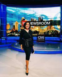 Putri Ayuningtyas news anchor CNN Indonesia Televisi
