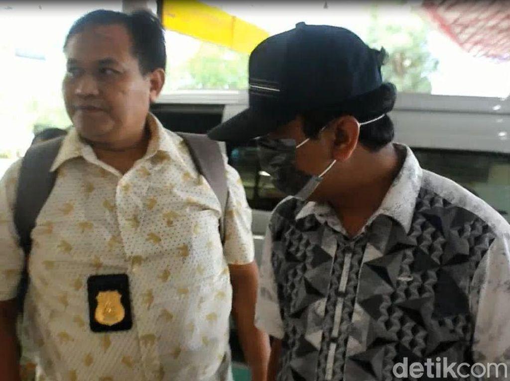 Ketum PPP Rommy dan 4 Orang yang Ditangkap KPK Dibawa ke Jakarta