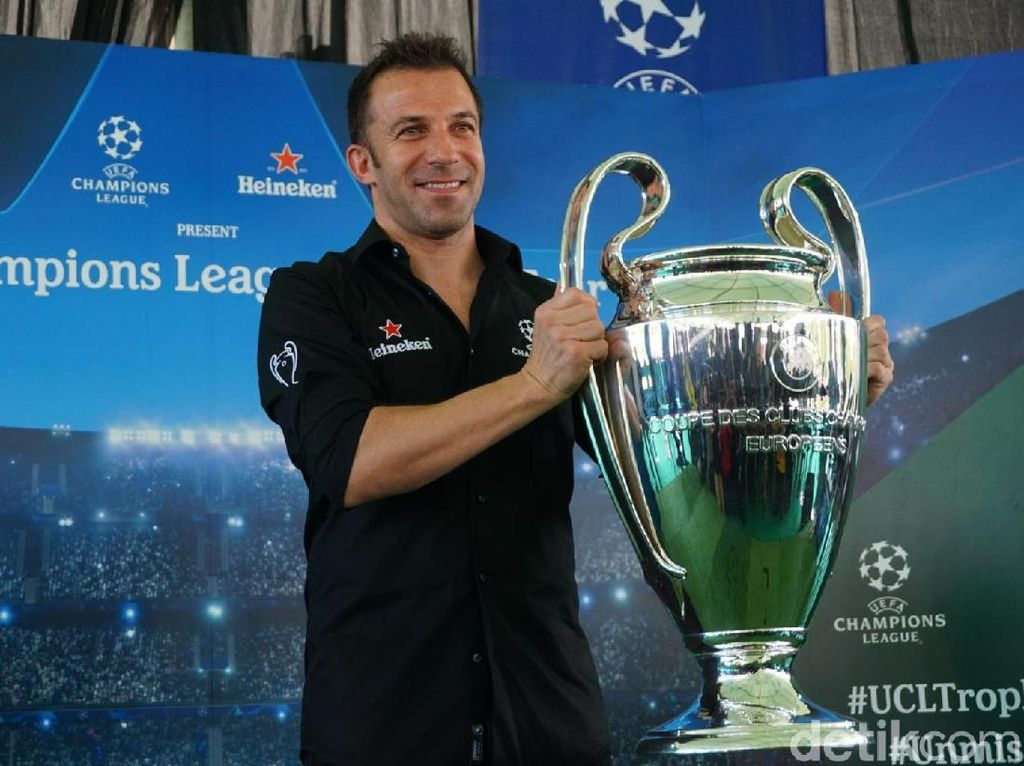 Trofi Liga Champions dan Del Piero Tiba di Bali