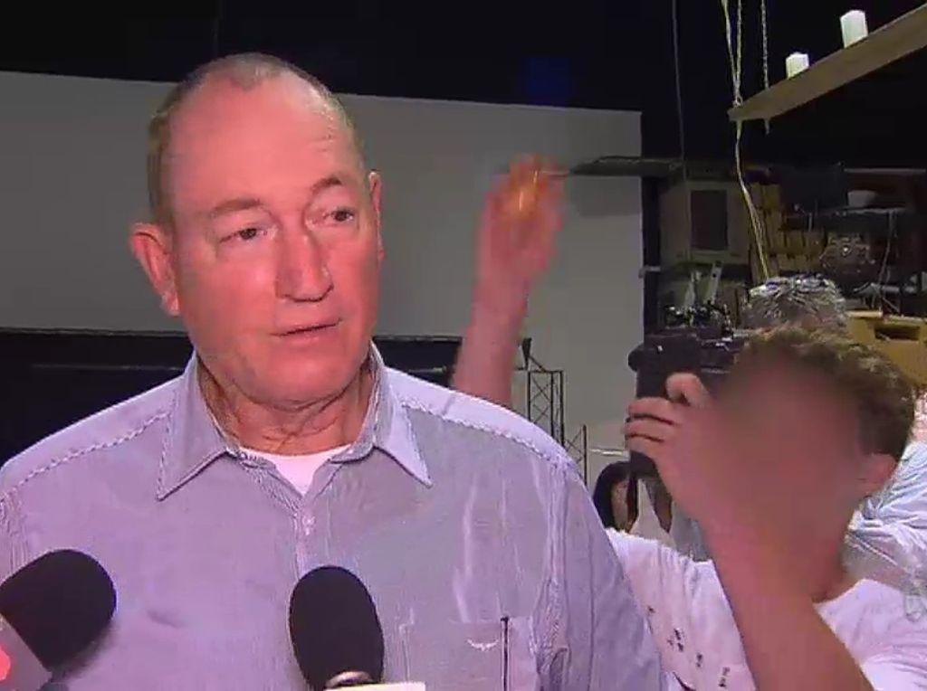 Dikepruk Telur, Ini Kata Senator Australia