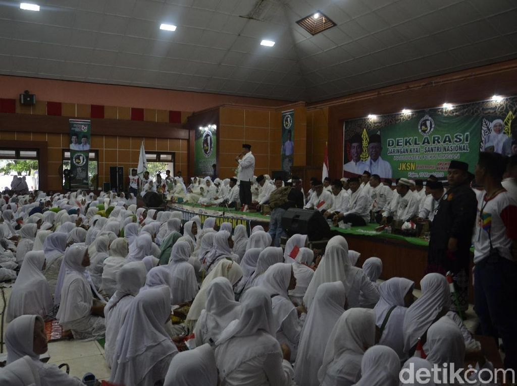 Jaringan Kiai Santri Nasional Kab Pekalongan Deklarasi Dukung Jokowi