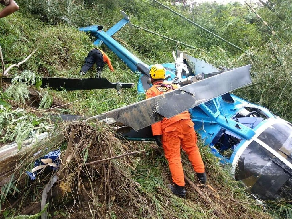 Helikopter Jatuh di Tasikmalaya, 3 Luka Berat dan 1 Luka Ringan