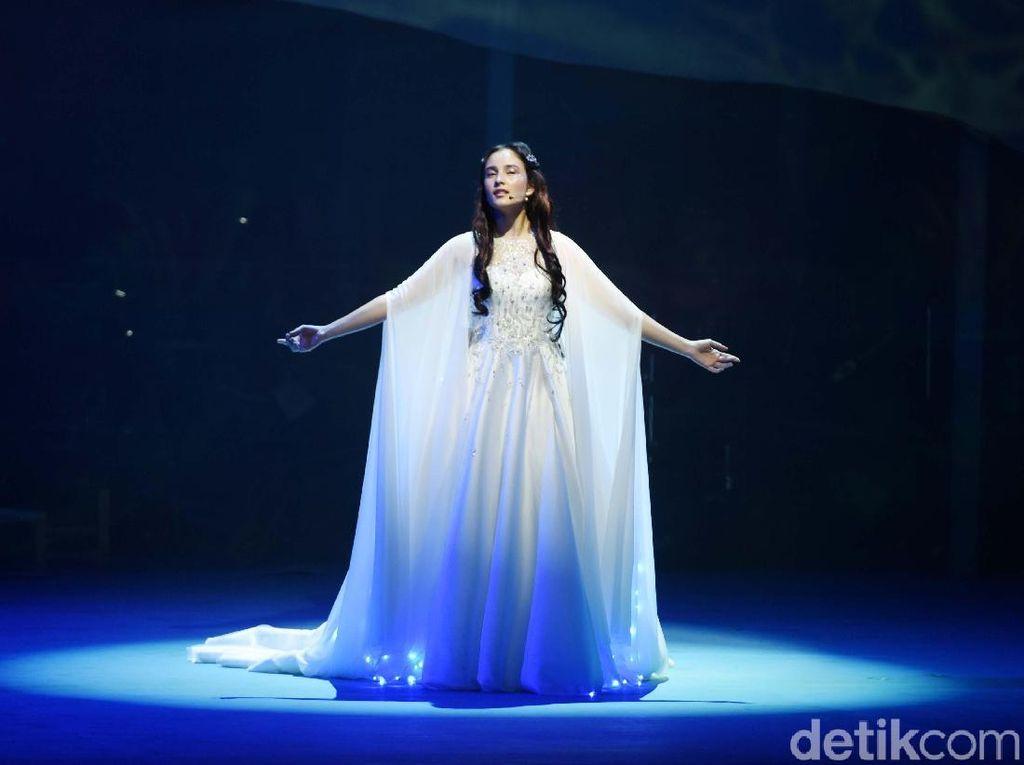 Chelsea Islan Monolog Panjang di Musikal Cinta Tak Pernah Sederhana