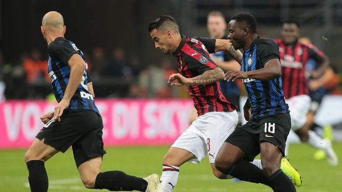 AC Milan dan Inter Milan akan berhadapan di Liga Italia akhir pekan ini (Foto: Emilio Andreoli/Getty Images)