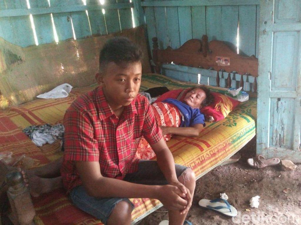 Menderita Sakit Komplikasi, Ngatiyah Tinggal di Rumah yang Reyot