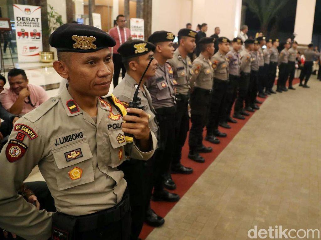 Potret Pengamanan Debat Cawapres di Hotel Sultan