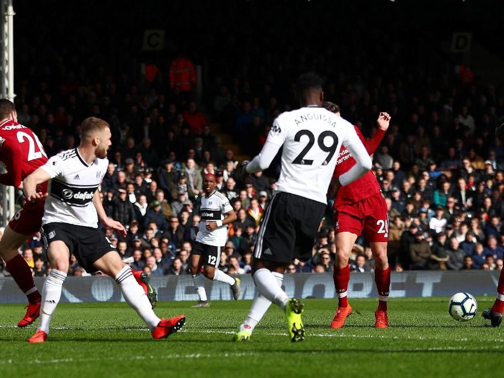 Babak I Selesai, Liverpool Ungguli Fulham 1-0