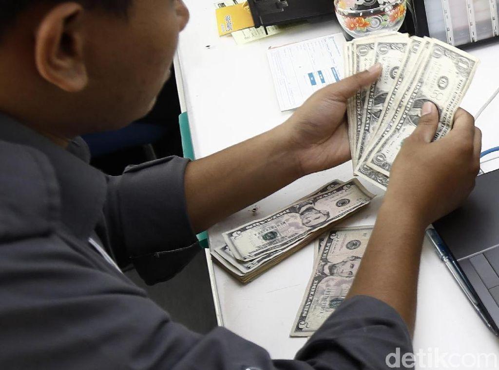 Dolar AS Babak Belur, Rupiah Kembali Menguat