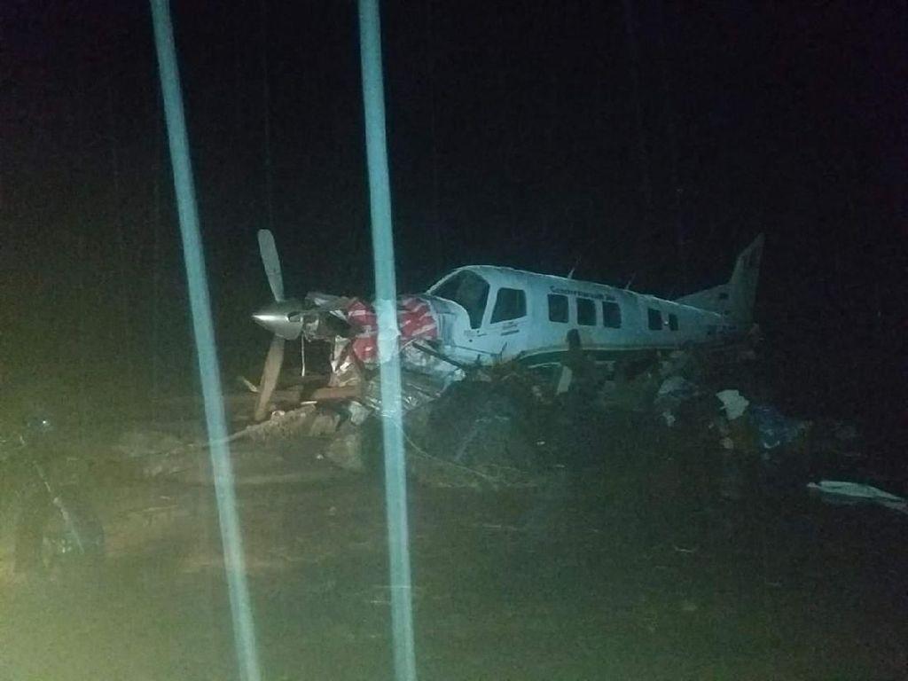 Pesawat Twin Otter dan Heli Rusak Diterjang Banjir Bandang di Sentani Papua