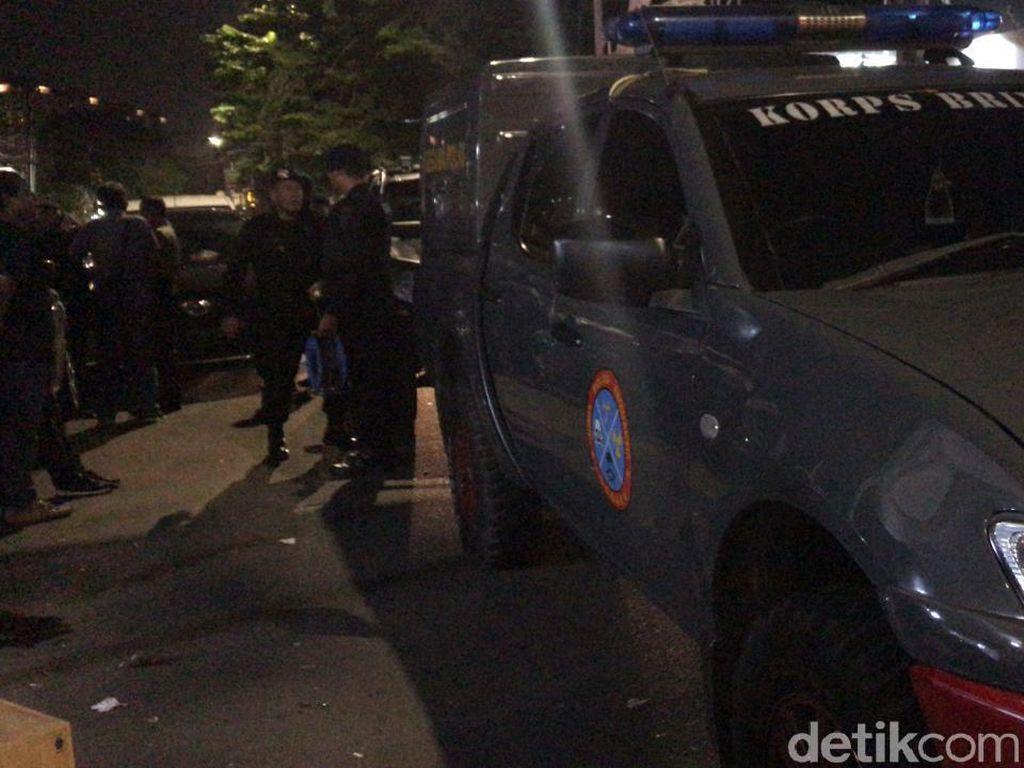 Tim Gegana Cek Tas Mencurigakan di Rumah Aspirasi Jokowi