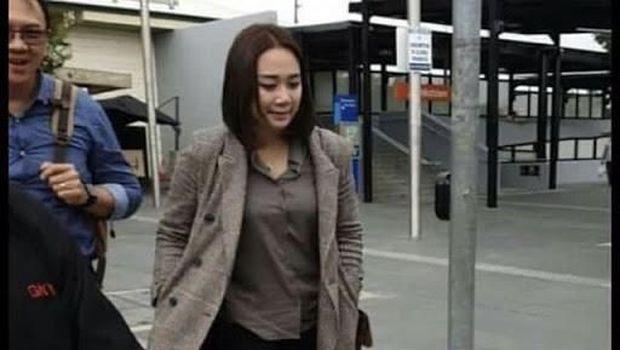 Netizen Penasaran: Gemukan, Puput Hamil Ya Pak Ahok?