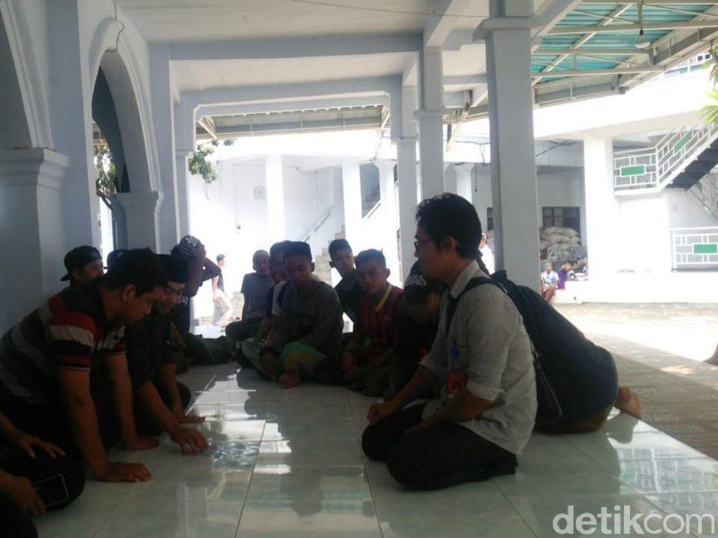Jemaah yang Tunggu Meteor Jatuh di Ponpes Malang Terancam Golput