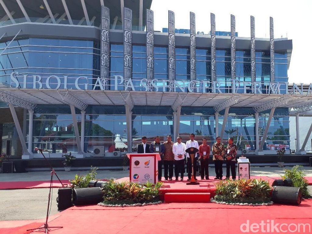 Jokowi Resmikan Terminal dan Dermaga Pelabuhan Sibolga