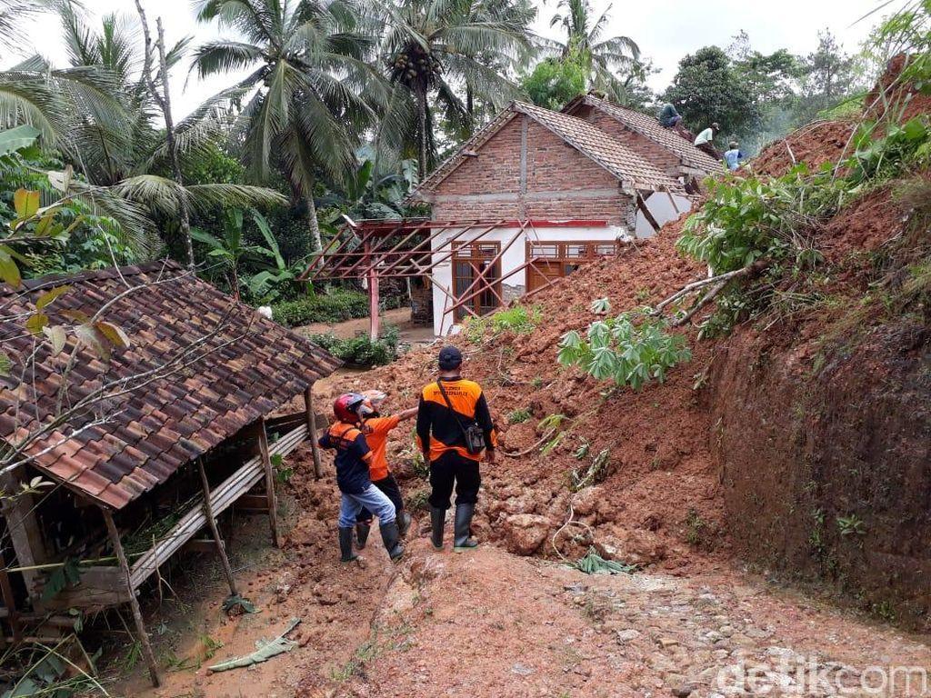 Longsor di Trenggalek, Dua Rumah Rusak dan Akses Jalan Terputus