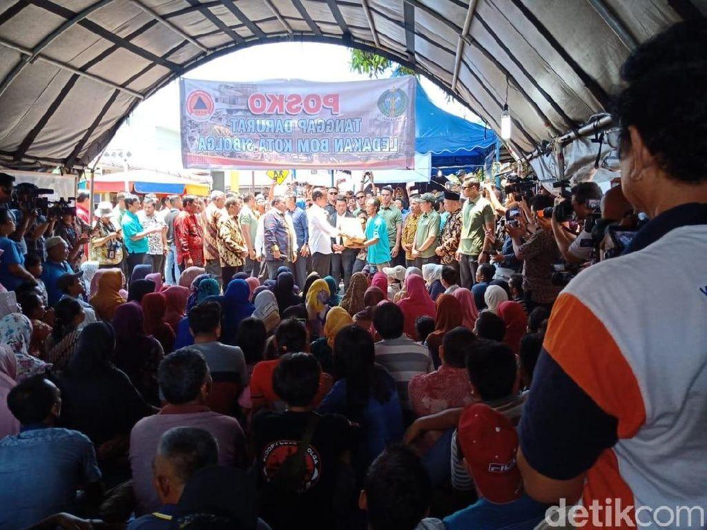 Jokowi Santuni Rp 1,4 M ke Warga Pengungsi Ledakan Bom Sibolga