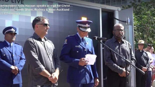 Simpati ke Korban Teror, Polisi New Zealand Menangis: Aku Bangga Jadi Muslim