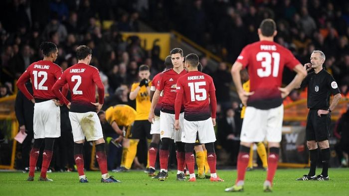 Manchester United menelan dua kekalahan beruntun (Michael Regan/Getty Images)