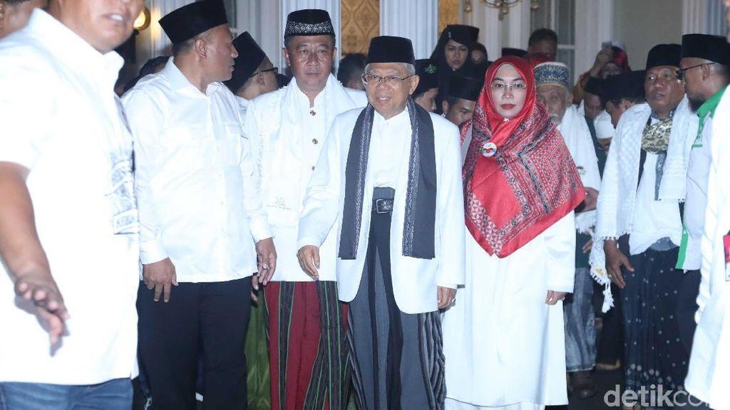 Debat Cawapres 2019, Istri Maruf Amin Tampil Syari Merah Putih