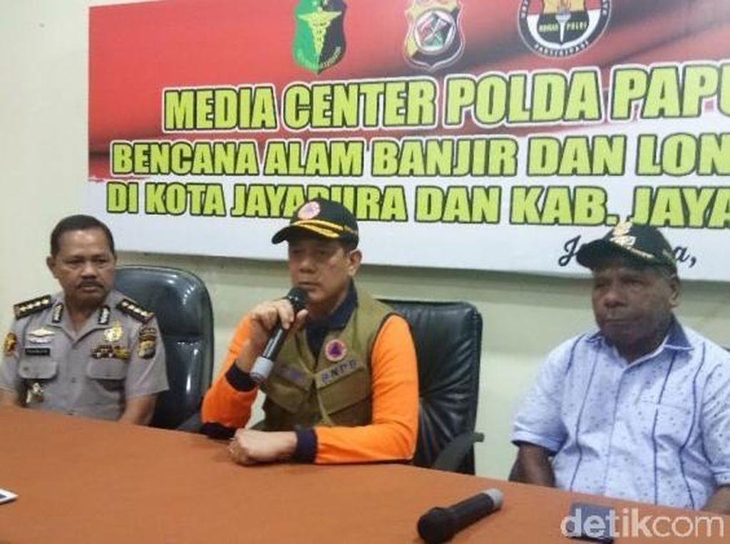 BNPB Tambah Fasilitas MCK dan Air Bersih untuk Pengungsi Banjir Sentani