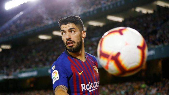 Luis Suarez tak masalah Barcelona mencari suksesornya. (Foto: Marcelo del Pozo/Reuters)