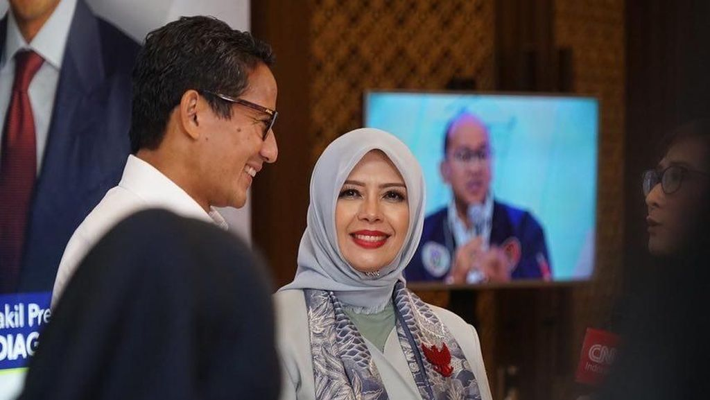 8 Gaya Hijab Nur Asia Uno, Istri Menparekraf Baru Sandiaga Uno