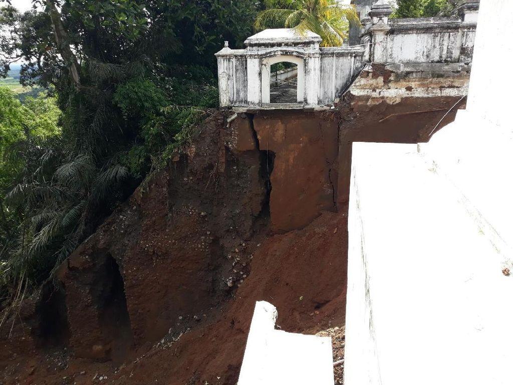 Fondasi Calon Makam Sri Sultan HB X di Imogiri Ambrol, Begini Kondisinya