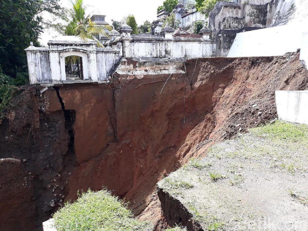 Melihat Lagi Dampak Banjir dan Longsor yang Melanda Bantul