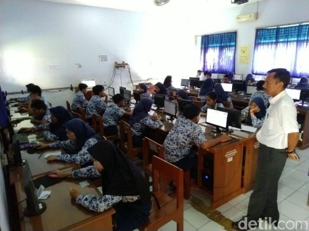 Pelajar SMP di Pelosok Garut Mulai Bisa Laksanakan UNBK