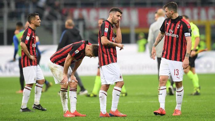 AC Milan dikalahkan rival sekotanya, Inter Milan 2-3. (Foto: Daniele Mascolo / Reuters)