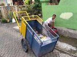 Keinginan Nyaleg Tukang Sampah di Malang Sempat Ditentang Keluarga