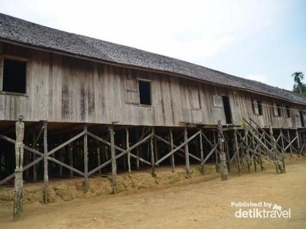 15 Rumah Adat Kalimantan dan Karakteristiknya, Kamu Perlu Tahu