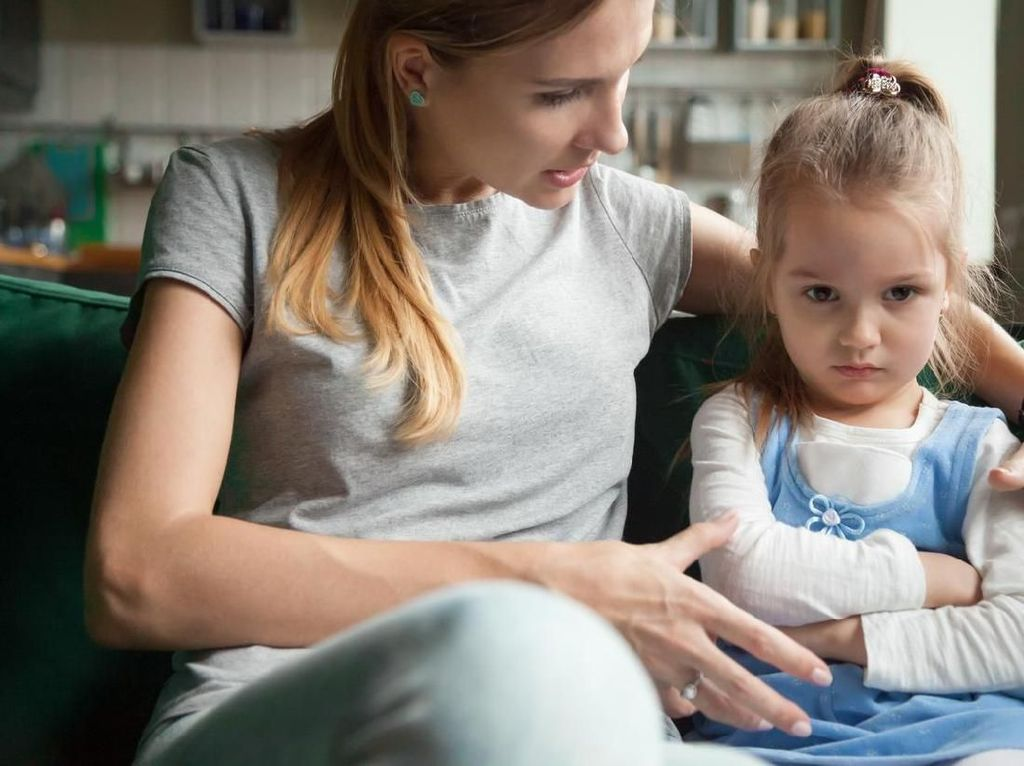 Penyebab Orang Tua Gampang Marah-marah ke Anak