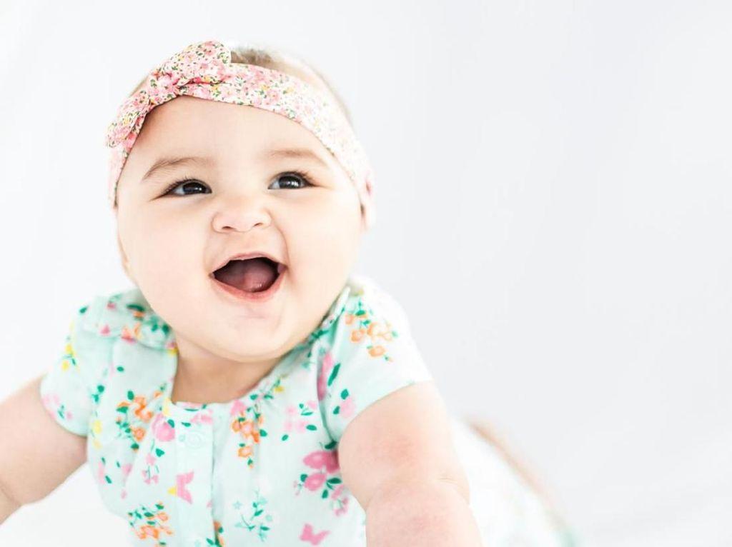 20 Inspirasi Nama Bayi Perempuan dari Bahasa Arab Bermakna Cahaya
