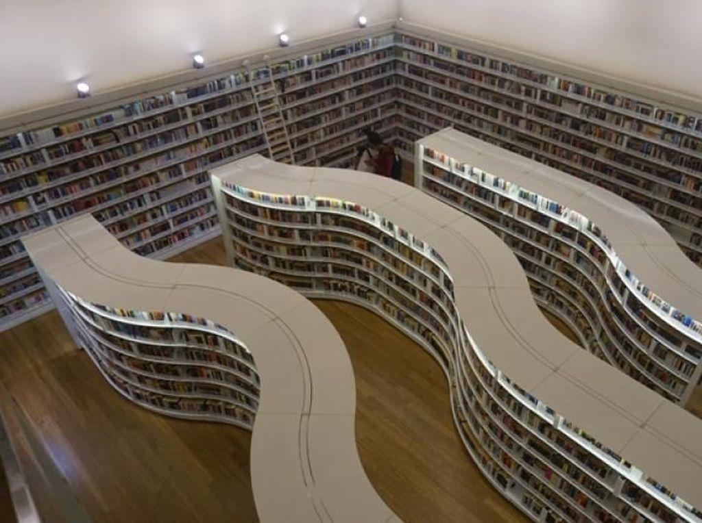 Ada Loh Perpustakaan Instagramable di Orchard