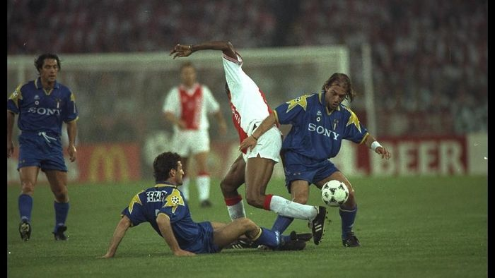 Ajax Amsterdam kalah dari Juventus di final Liga Champions 1996. (Foto: Shaun Botterill/Getty Images)